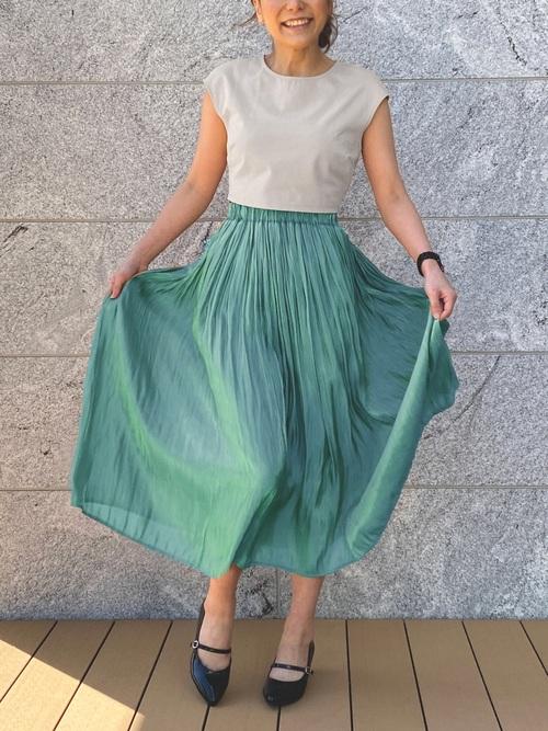 ユニクログリーンスカート