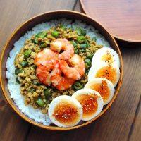 お弁当にぴったりな《そぼろのおかず》レシピ。料理の幅が広がる味付けをご紹介