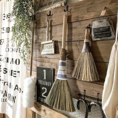 廊下でできる掃除グッズの収納アイデア