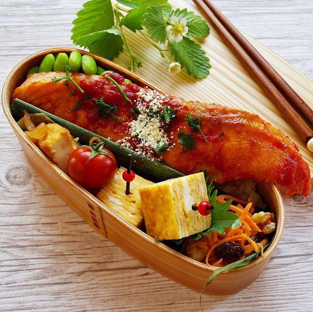 人気レシピ!鮭のムニエルのっけ弁当