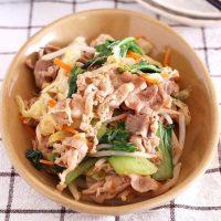 野菜たっぷりの夜ご飯レシピ15選。大満足・お手軽な人気メニューをご提案