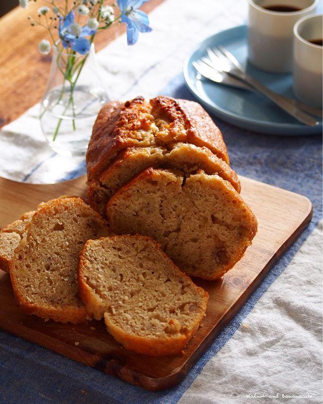 人気完熟バナナケーキ:くるみ入りケーキ
