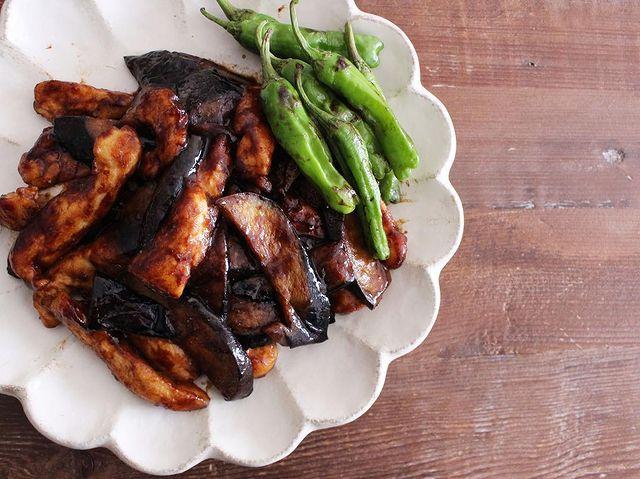 なす、鶏肉、ししとうがらし、炒め。