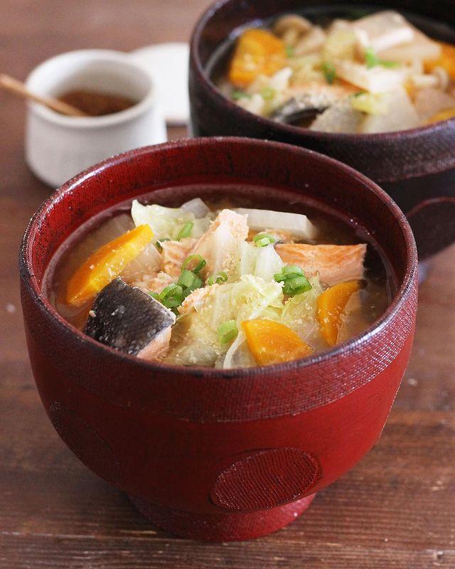 大根&玉ねぎの甘みたっぷり!鮭あら汁レシピ
