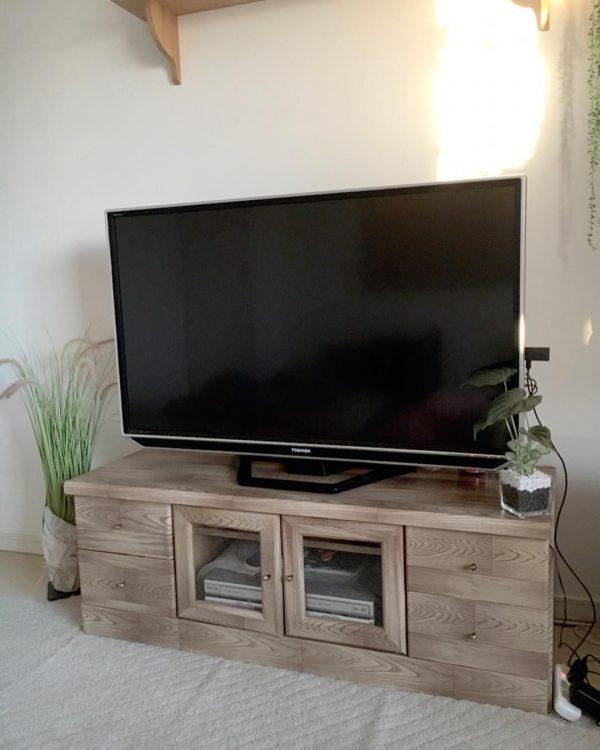 リメイクシート活用の簡単DIYテレビ台