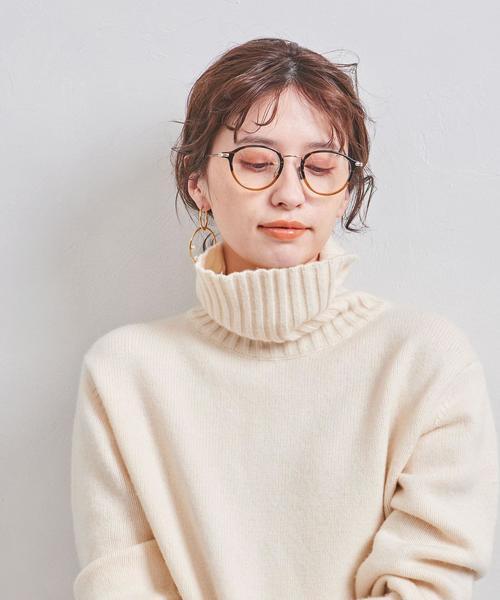 冬コーデに主役にもなれるデザイン性◎なメガネ