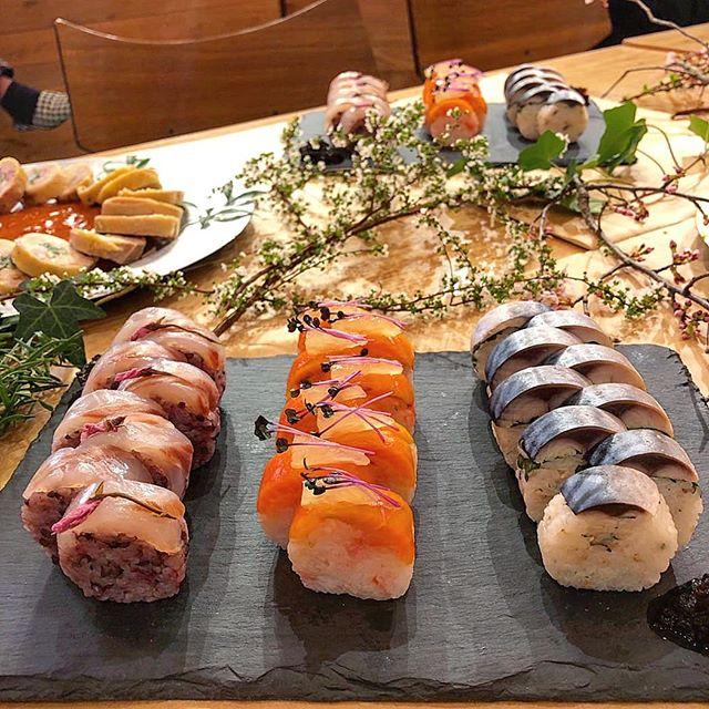 華やかなちらしロール寿司