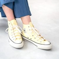 黄色スニーカーコーデでおしゃれに《2021夏》足元を明るくする旬の着こなし術