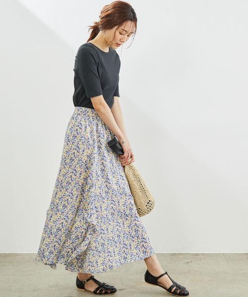 グレートップス×花柄スカートの夏コーデ