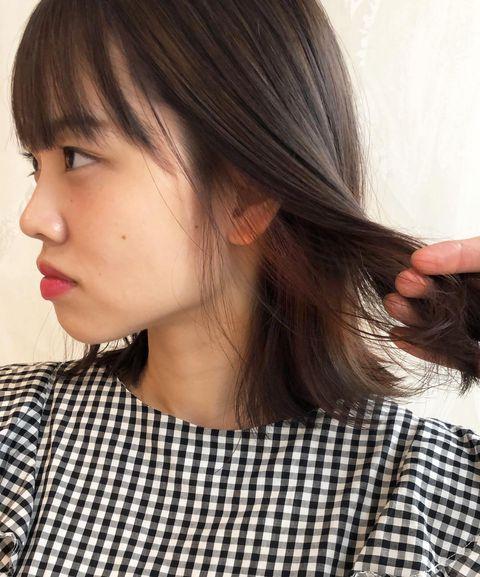 黒髪ストレート×ミックスインナーカラー