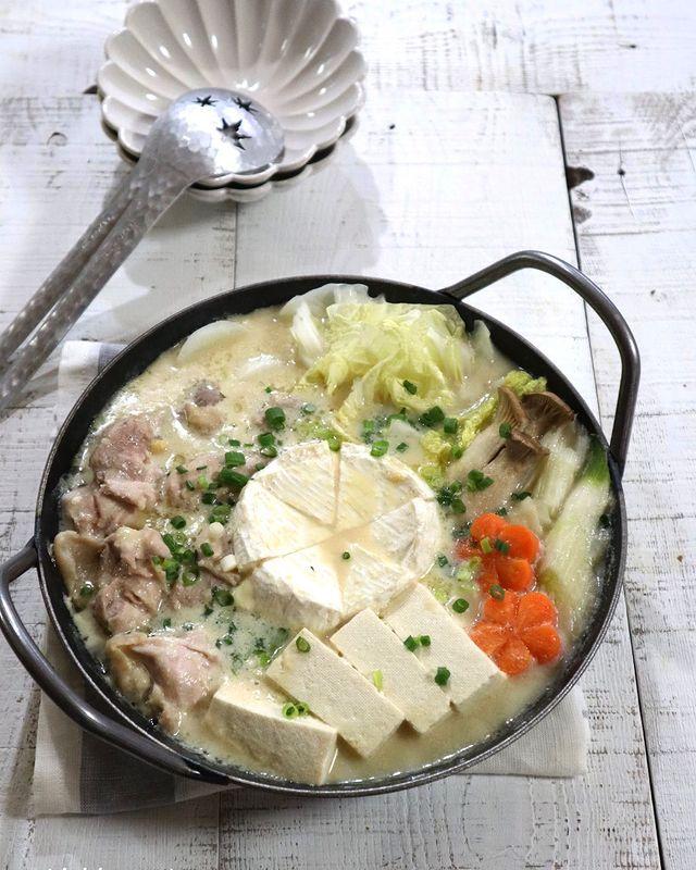 カマンベール丸ごと!チーズ豆乳鍋レシピ
