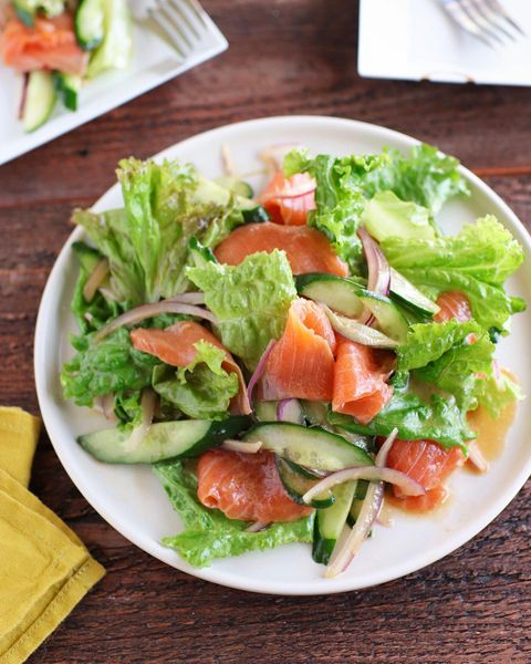 野菜プラスで満足♡彩りサーモンマリネレシピ