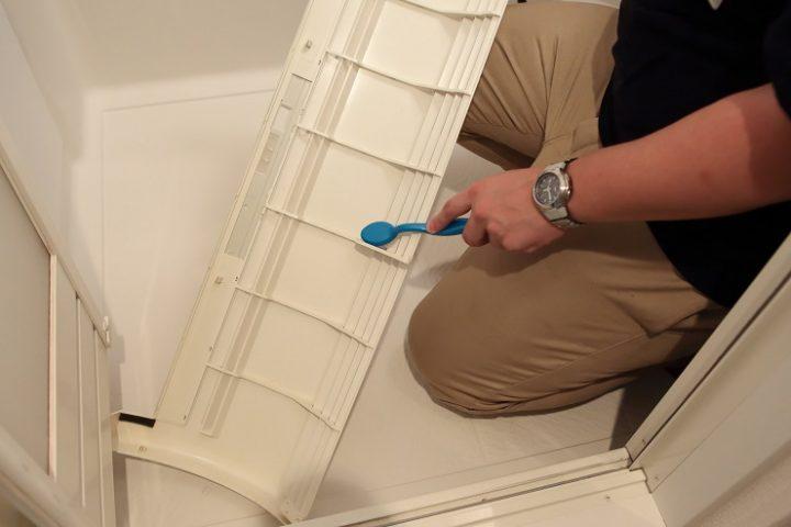 前面パネルを外した後の掃除方法