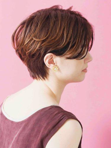 柔らかい質感の前髪なしベリーショート