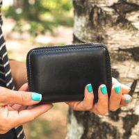 異性や同性に財布をプレゼントする意味は?選び方に注意して大切なあの人へ贈ろう