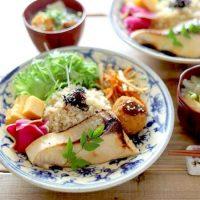 ダイエット中にもおすすめなヘルシーレシピ特集。満足感が味わえる料理をご紹介