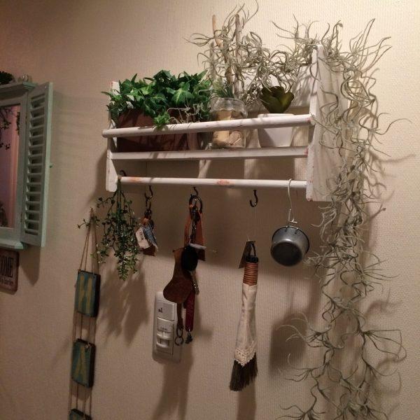 ダイソーの木材で作るおしゃれな壁掛け収納