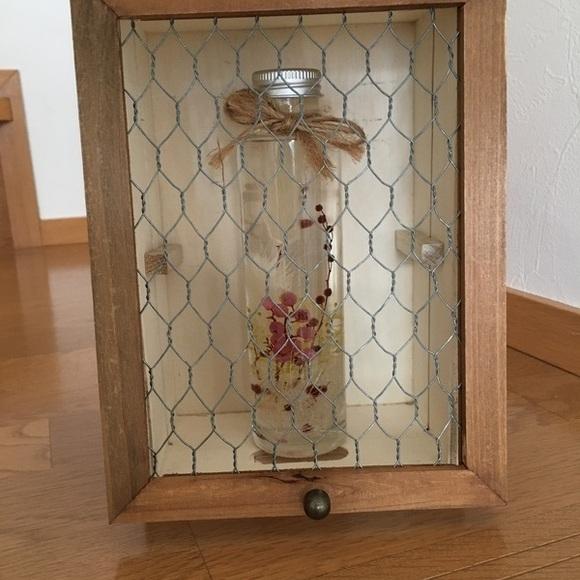 簡単にできる小物用の飾り棚