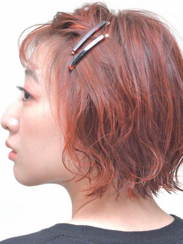 ねじり前髪のショートヘアアレンジ