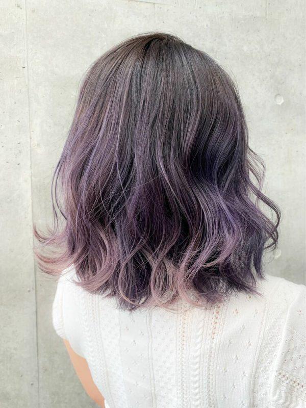 ハイライトをプラスした紫のグラデーション