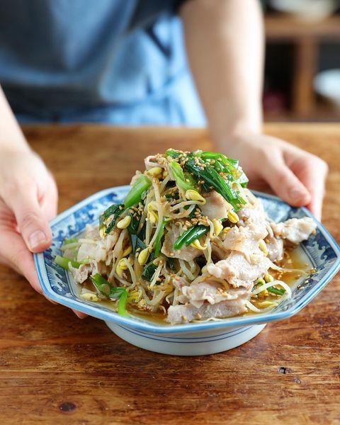 重ねて簡単♪豚肉ともやしの中華蒸しレシピ