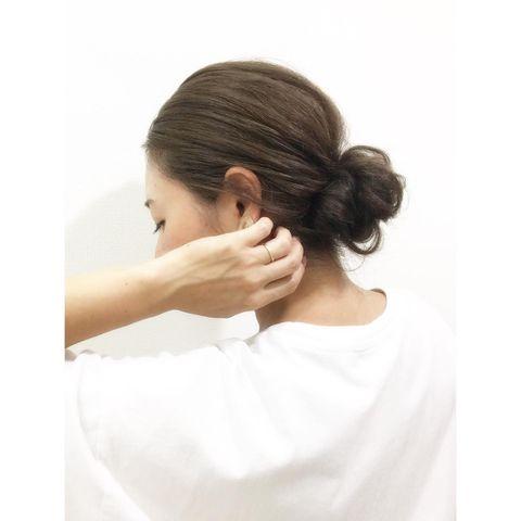 ロングバングごとまとめた前髪なし×まとめ髪