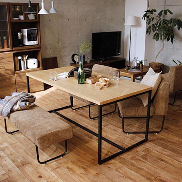 ベージュの家具