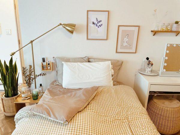 お気に入りの素材に囲まれた寝室レイアウト