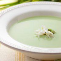 【ブレンダーのレシピ】グリンピースの春色スープ