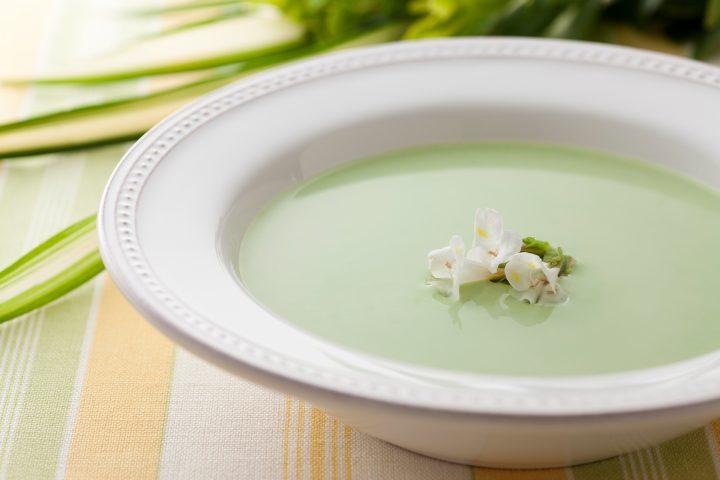 グリンピースの春色スープ