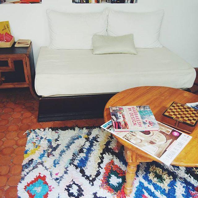 カラフルなラグでモロッコテイストなお部屋