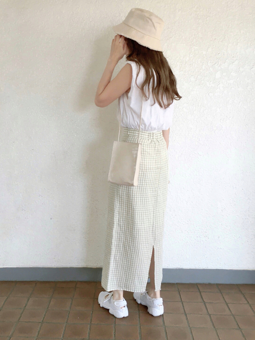 ZARAノースリーブTシャツ×スカートの夏コーデ