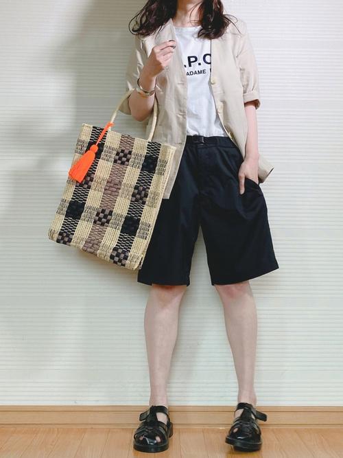 ユニクロショートパンツ×Tシャツの夏コーデ