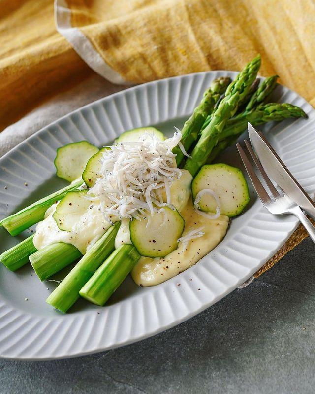 簡単料理!しらすとアスパラのホットサラダ