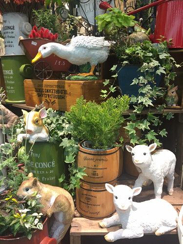 シリーズでそろえたい庭の動物の置物