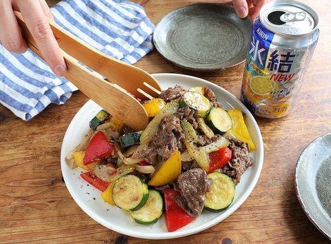 牛肉と旬野菜の彩りオイスター炒めレシピ