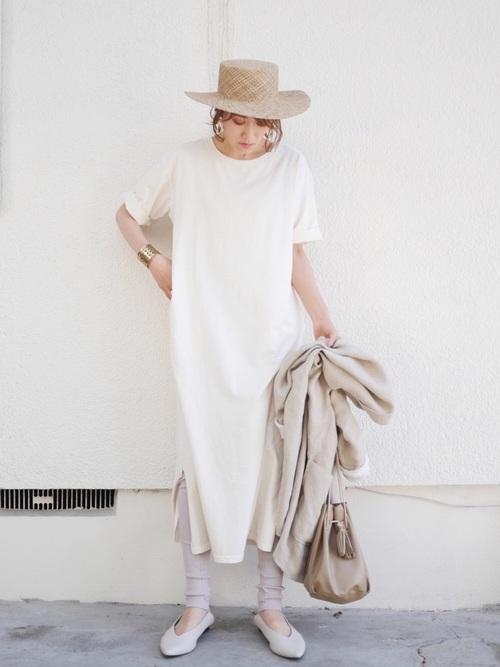 白ワンピース×カンカン帽コーデ