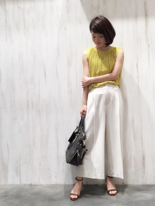 黄色×ガウチョコーデ