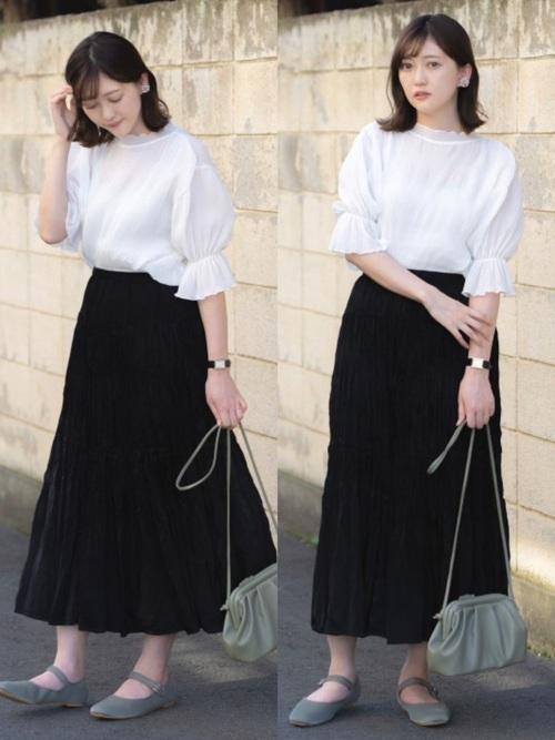 ユニクロ黒スカート×白ブラウスの夏コーデ