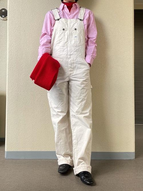 ピンクシャツ×サロペット