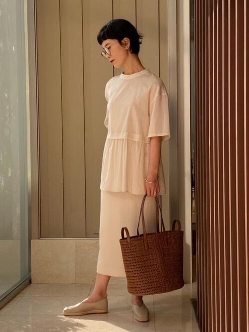 ファッションメガネ×タイトスカート