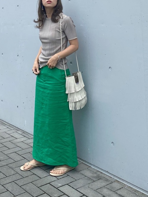 ZARA緑ロングスカート×トップスの夏コーデ