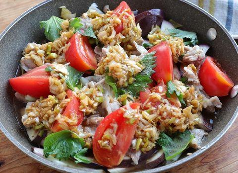 簡単料理!豚肉と夏野菜の香味ネギだれ