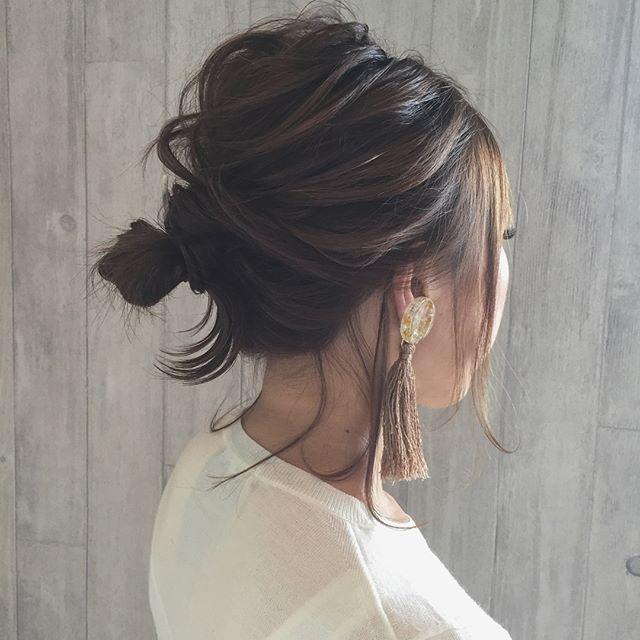 後れ毛で垢抜ける今っぽ簡単まとめ髪