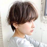 簡単なヘアアレンジで印象チェンジ。ハンサムショートのおしゃれな髪型14選
