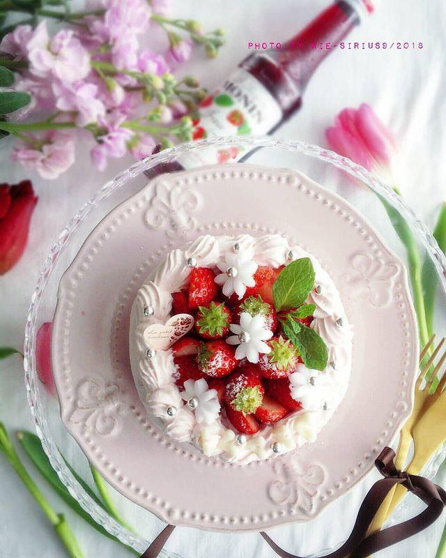 低糖質で人気レシピ!デコレーションケーキ