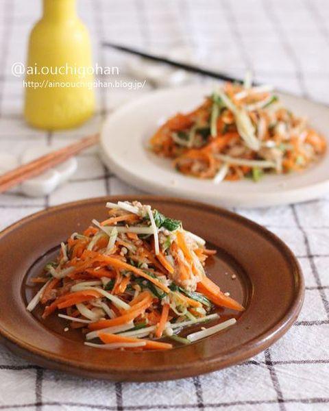 麺つゆで時短調理!ツナと野菜のやみつき温サラダ