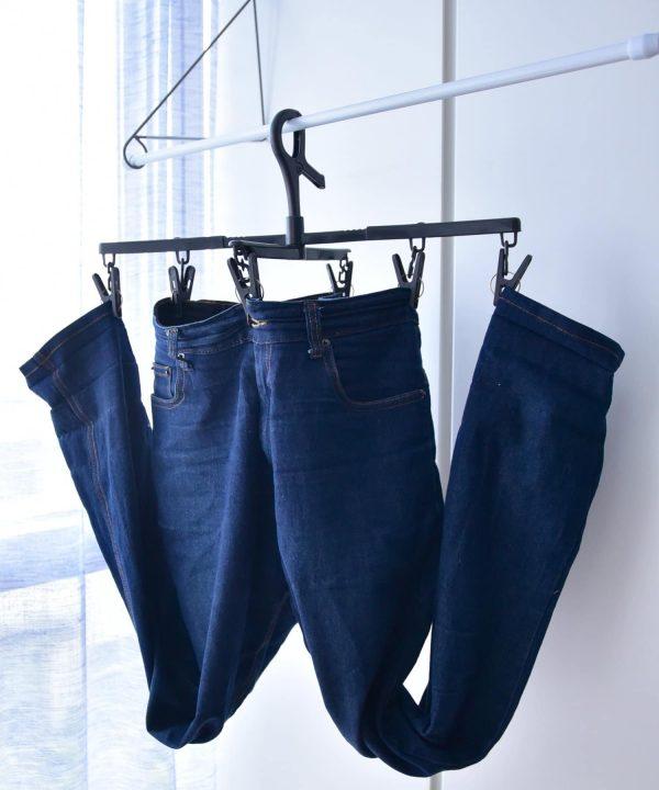 【梅雨でも快適】衣類が乾きやすいボトム用伸縮ハンガー 330円(税込)2