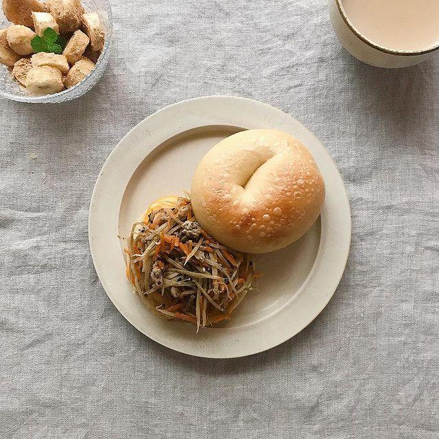 食べごたえ◎な人気のきんぴらベーグルサンド