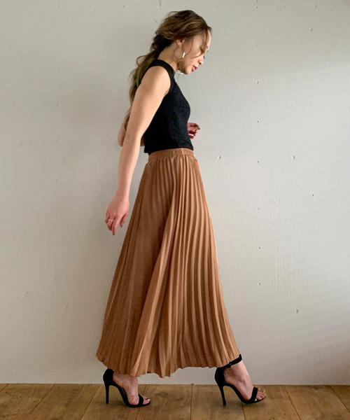 プリーツロングスカート